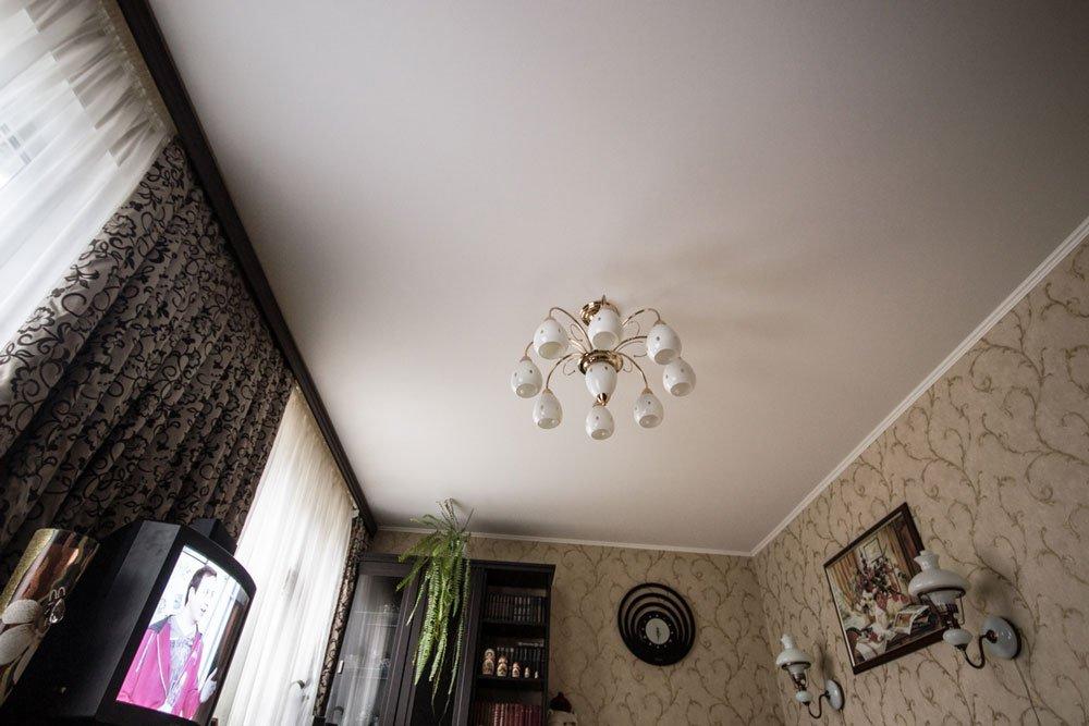 ультра широкий потолок